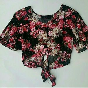 Polly & Esther floral crop top